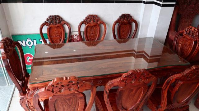 bàn ăn gỗ cẩm chỉ việt nam